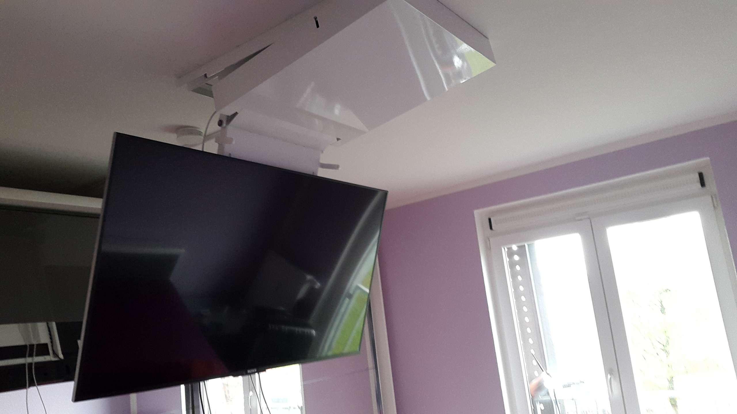 und wieder ab an die decke wir verstecken ihren fernseher blog grobi tv. Black Bedroom Furniture Sets. Home Design Ideas